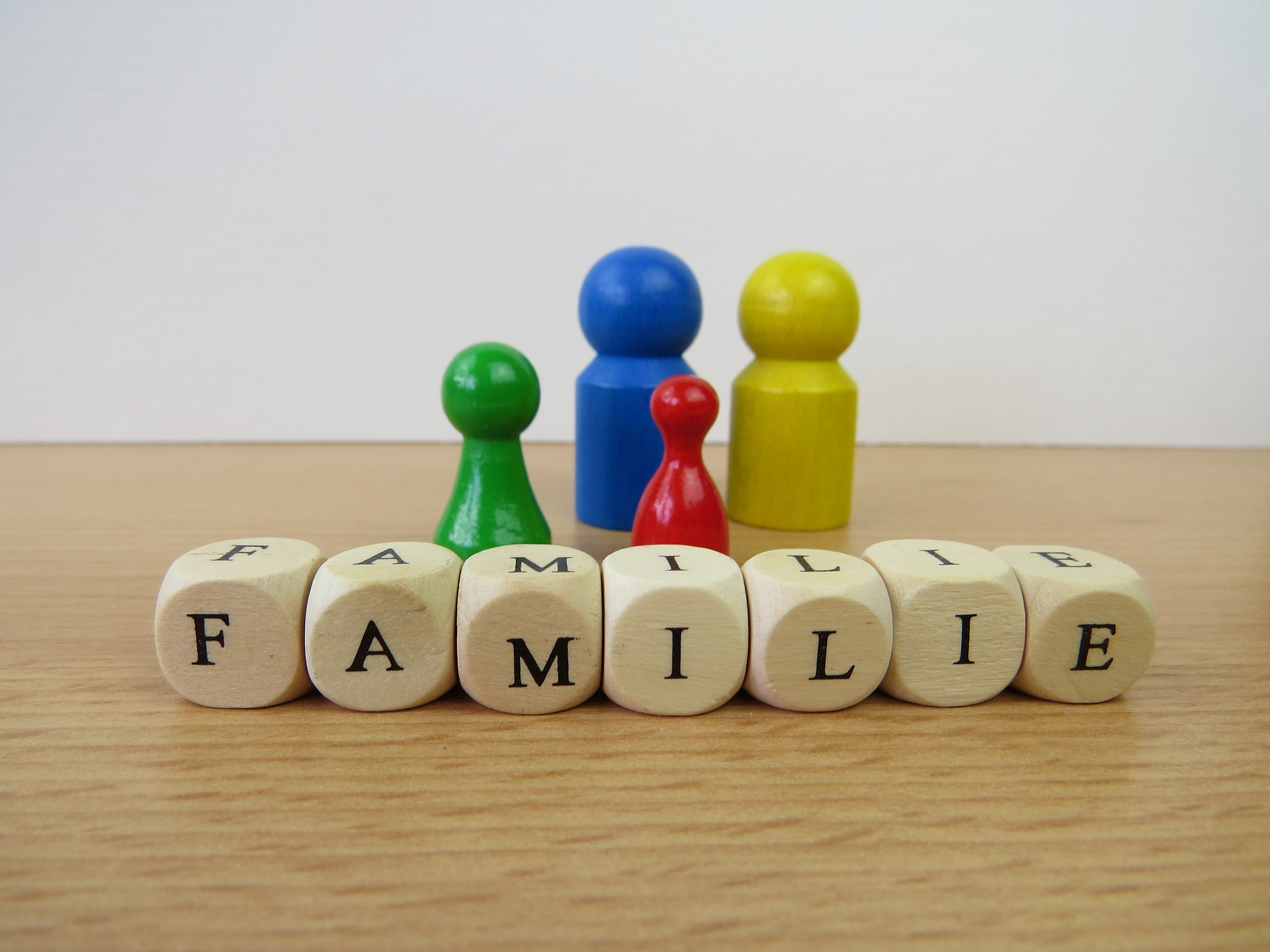 family-658453_1920