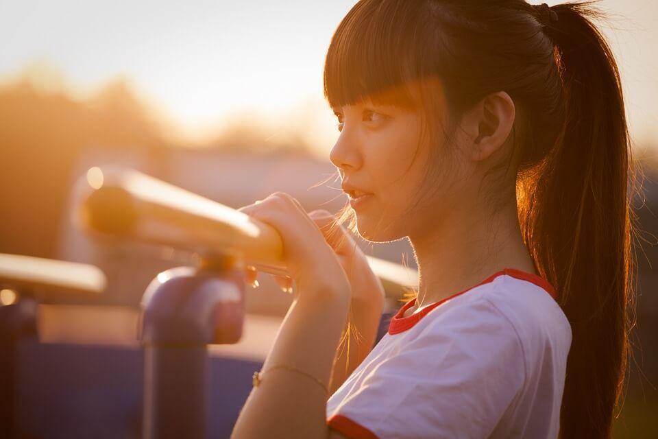 Красивая фотография девушки азиатской внешности