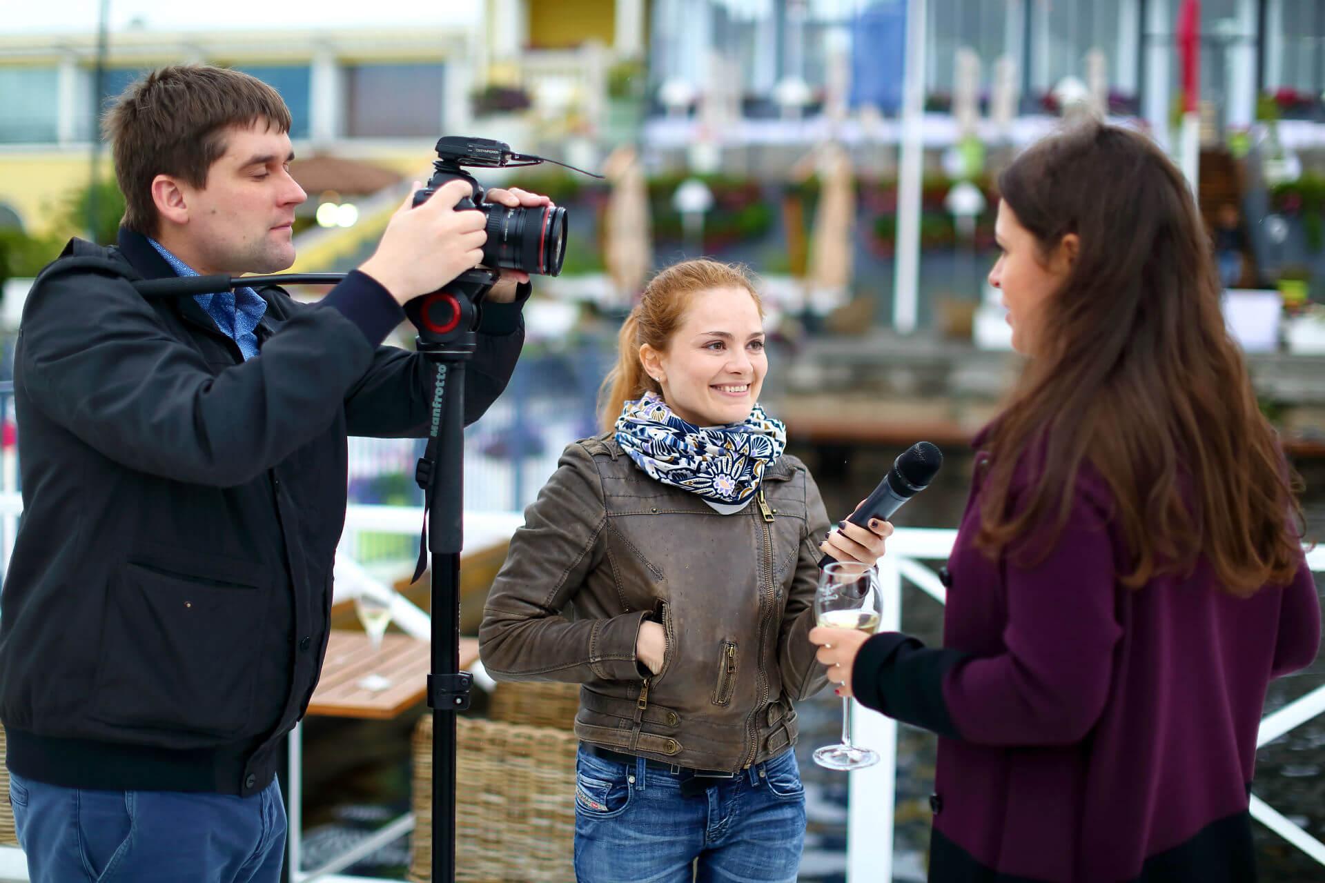 Интервью перед камерой