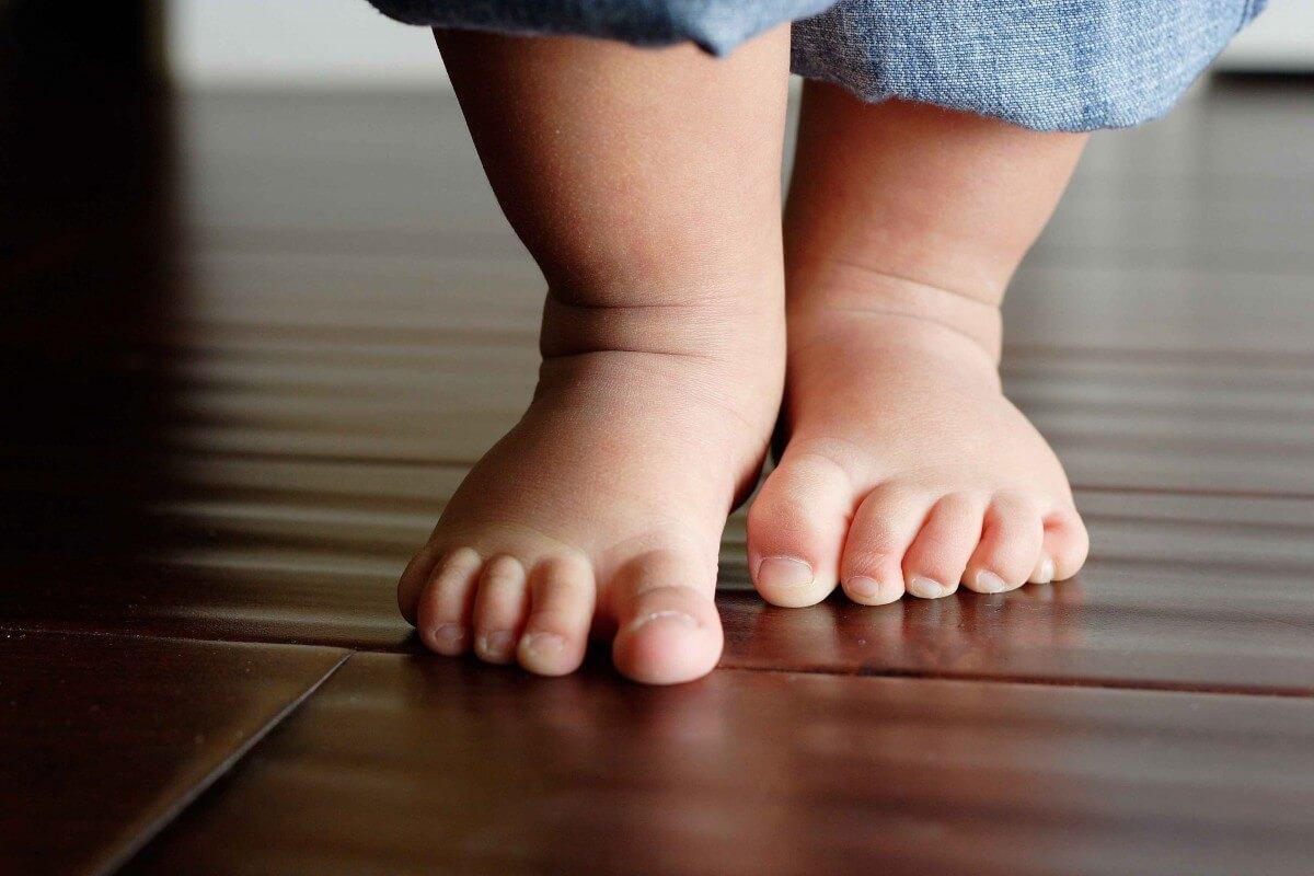 Первые шаги/слова/действия малыша