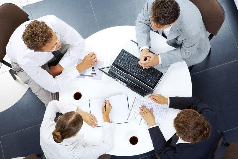 Клиент помогает исполнителю решить его задачу