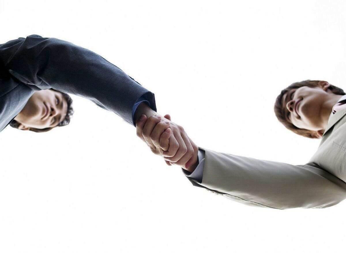 Клиент делегирует исполнителю задачу