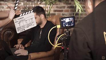 Как грамотно сделать видеопоздравление с днём рождения?