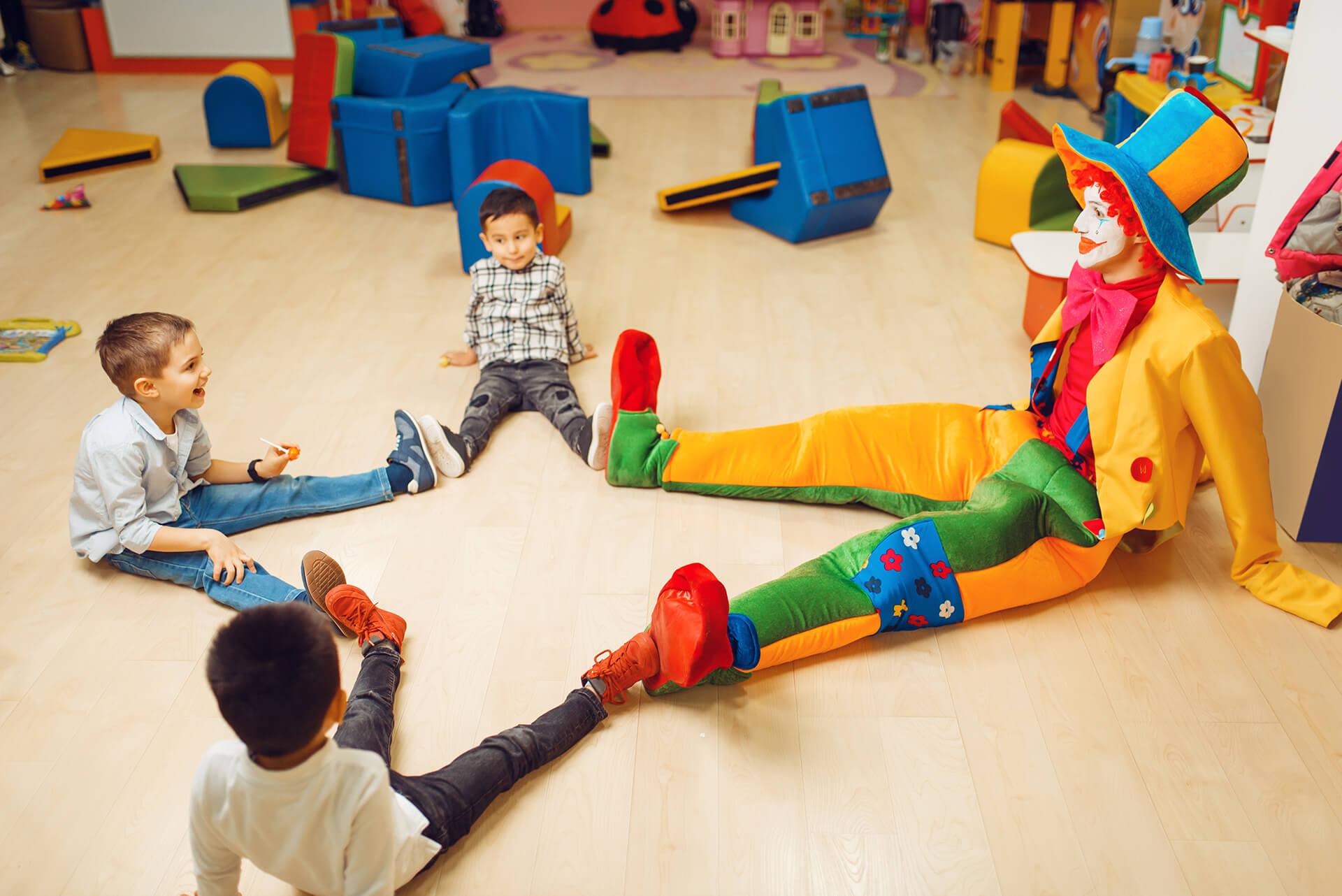 Клоун в детском саду