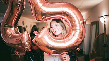 Видеопоздравление - творческий подарок на день рождение или свадьбу